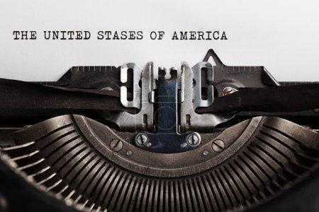 Photo pour Etats-Unis d'Amérique titre écrit par machine à écrire sur feuille de papier - image libre de droit