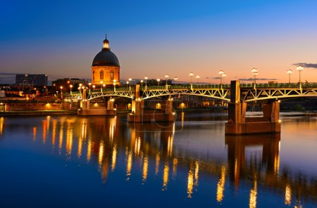 Photo pour Ville de Toulouse et Garonne au coucher du soleil, France - image libre de droit