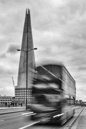Photo pour The Shard, tour pyramidale revêtue de verre, également appelée Shard of Glass, Shard London Bridge et anciennement London Bridge Tower - image libre de droit