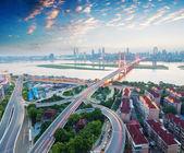 """Постер, картина, фотообои """"Шанхай развязка путепровода и повышенных дороги в ночи"""""""