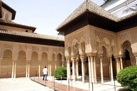 Moorish arches, Courtyard of the Lions, Alhambra, Granada, Andalusia, Spain