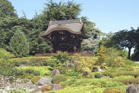 Chokushi-Mon, Japanese garden, Kew Gardens, Kew landscape, London, England