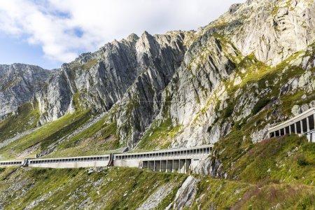 Gallerie un der Gotthardpassstrasse