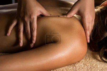 Photo pour Vue de massage. Éclairage de charme - image libre de droit