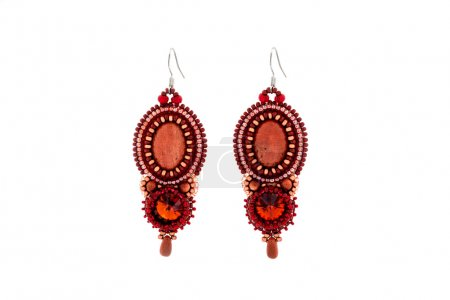 Bead earrings with red stone