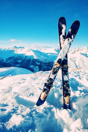 Ski in snow on italian alps