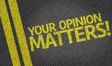 Photo pour Votre avis Questions écrites sur le fond de la route - image libre de droit