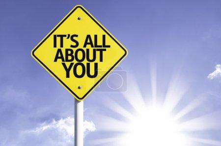 Photo pour C'est All About You route signe avec fond de soleil - image libre de droit