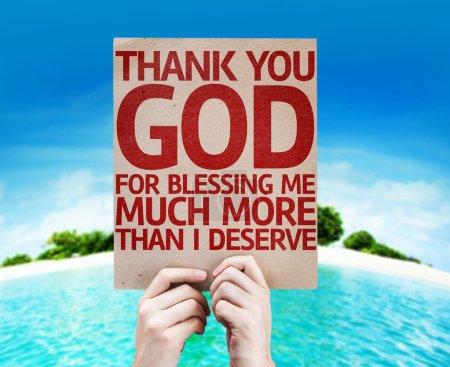 Photo pour Merci Dieu pour bénédiction Me Much More Than j'ai méritent de carte avec une plage sur fond - image libre de droit