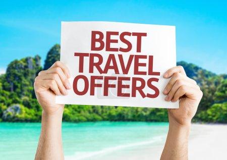 Photo pour Meilleure carte Travel fait l'offre avec une plage sur fond - image libre de droit