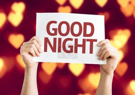 Photo pour Bonne carte de nuit avec fond coeur bokeh - image libre de droit