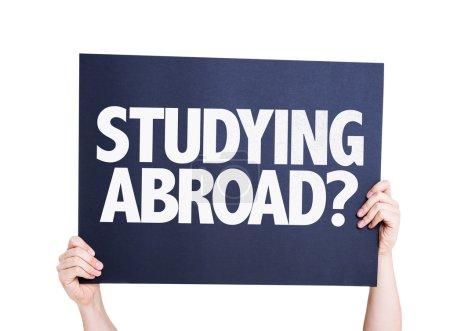 Photo pour Étudier à l'étranger ? carte isolée sur fond blanc - image libre de droit