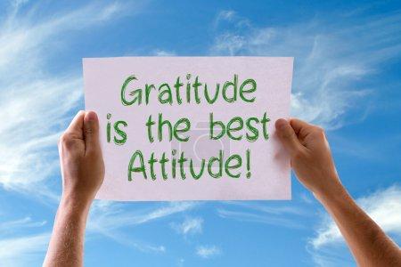 Photo pour La gratitude est la meilleure carte d'attitude avec le fond de ciel - image libre de droit