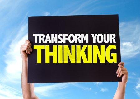 Photo pour Transformer votre pensée carte avec fond de ciel - image libre de droit