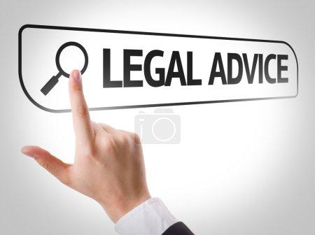 Photo pour Avis juridiques rédigés dans la barre de recherche sur l'écran virtuel - image libre de droit