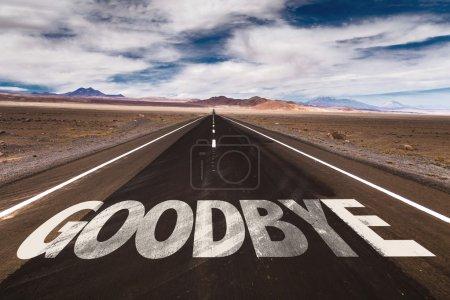 Photo pour Au revoir écrit sur la route du désert - image libre de droit