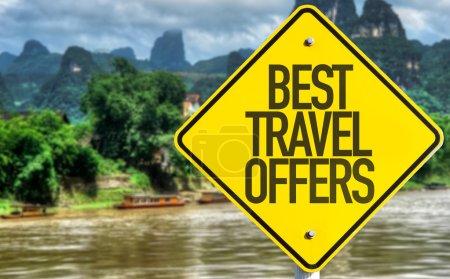 Photo pour Meilleures offres de voyage signer avec fond exotique - image libre de droit