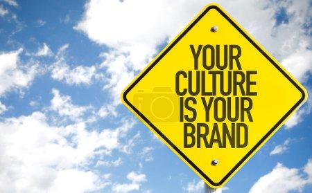 Photo pour Votre signe est votre marque de Culture avec fond de ciel - image libre de droit