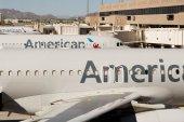 PHX letiště. American Airlines letadla na rampě