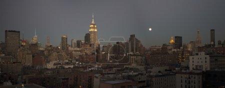 Photo pour New York Skyline de Chelsea Market - image libre de droit