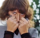 Portrét krásné mladé ženy bruneta