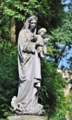 Régi szobor a lychakiv temetőben, Lviv, Ukrajna