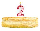 Narozeninový dort číslo dvě izolované na bílém
