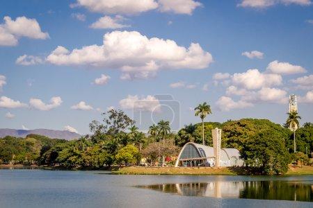 Foto de Concepto de sujeto de viaje - Minas Gerais, Brasil signo amarillo - Imagen libre de derechos