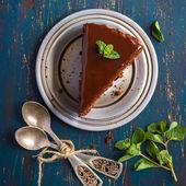 čokoládový dort s máty