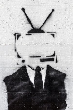 Photo pour Une représentation de la contrôle de l'esprit des médias sur les gens. - image libre de droit
