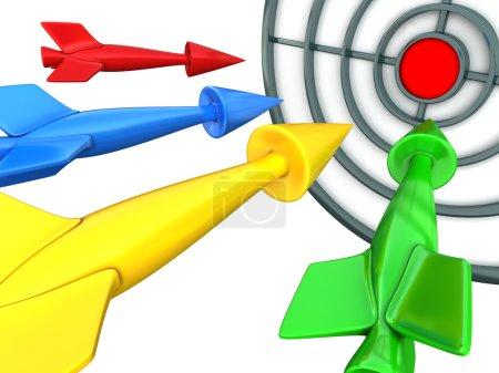 Photo pour Quatre fléchettes multicolores volent vers le centre de la cible. Couleurs CMJN - image libre de droit