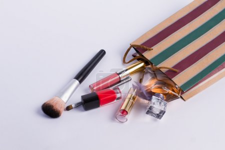 Scattered cosmetics