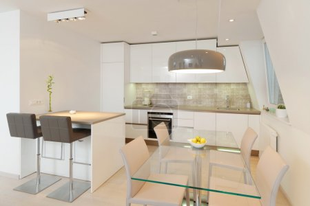 Photo pour Intérieur de la maison moderne élégante, cuisine - image libre de droit