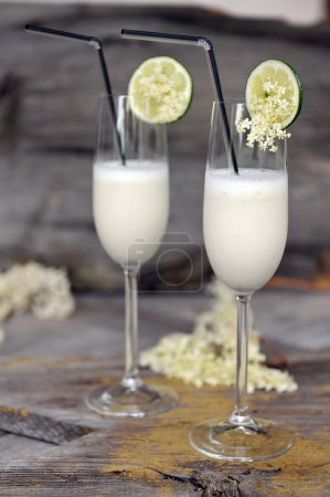 Summer sorbet cocktails with elderflowers...