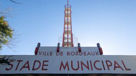 Bordeaux, Aquitaine France - 01 24 2021: Stade Municipal in Bordeaux Stadttext von Chaban-Delmas von Union Bordeaux Beginnt Eingangssport ubb Rugby in Gironde