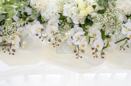 Foto de Flores frescas en la tela - Imagen libre de derechos