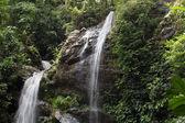 Gyönyörű vízesés, Thaiföld