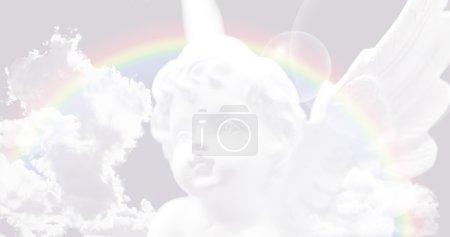 Photo pour Ange sur un fond pastel avec l'arc-en-ciel et les nuages - image libre de droit