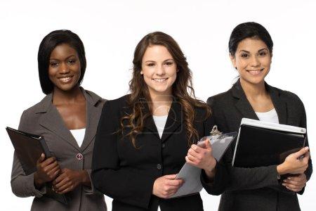 Photo pour Groupe diversifié de femmes d'affaires - image libre de droit