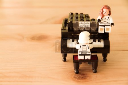 Star Wars movie : Stomtrooper Playing the piano