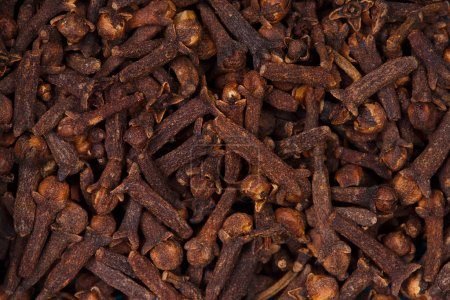 Dried cloves.