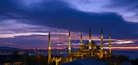 Sultan Ahmed Mosque at sunrise
