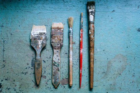old grungy paint brushes