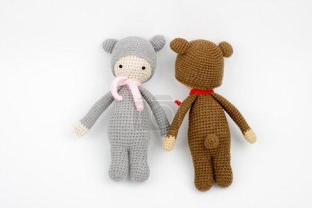 Ours en peluche, crochet de jouet, avec un foulard autour du cou brun et