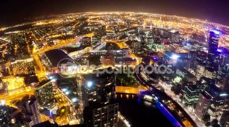 Timelapse video z města Melbourne v noci, širokoúhlého pohledu, otočné kamery
