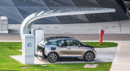 Electric vehicle charging (BMW i3)