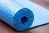 Skládané modrý jóga mat