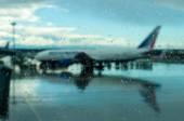 Letadlo na letišti. Špatné počasí, hurikán. Zpoždění letu, dopravní kolaps