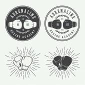 Boksz és harcművészeti logó jelvények és a címkék vintage stílusban