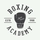 Boksz és harcművészeti logó, a jelvény vagy a címkén, vintage stílusban
